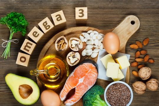 Animal and vegetable sources of omega-3 acids as salmon, avocado, linseed, eggs, butter, walnuts, almonds, pumpkin seeds, parsley leaves and rapeseed oil